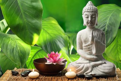 Meditation kann Zufriedenheit, Entspannung und die Linderung vieler körperlicher Leiden bewirken. © lily - Fotolia.com
